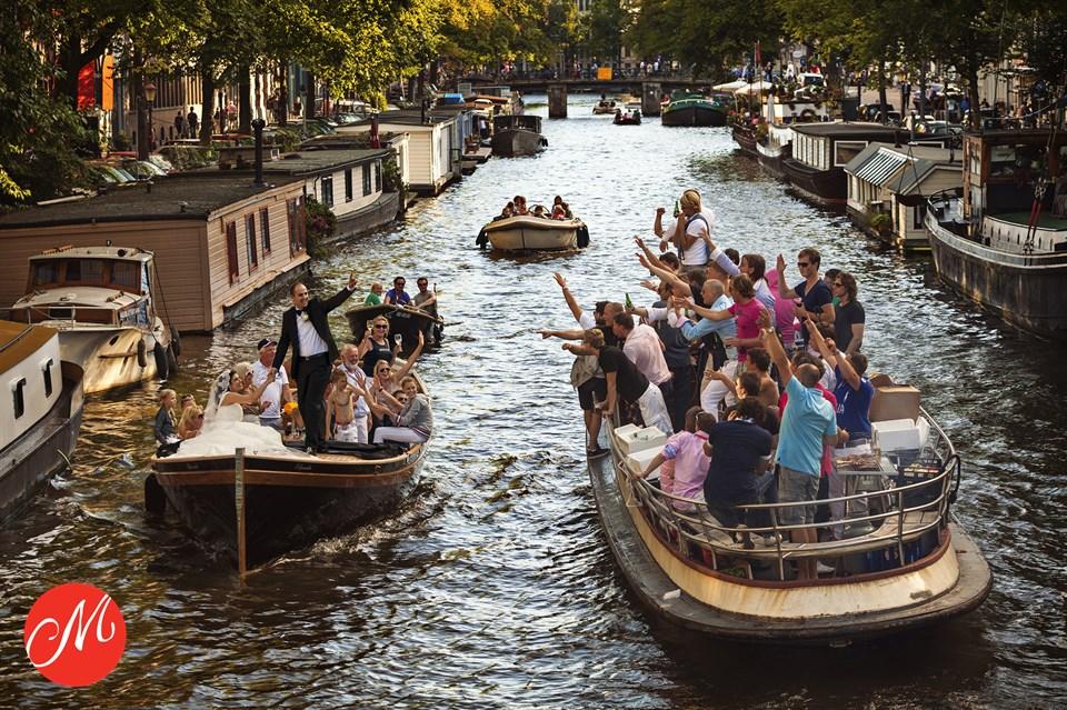 Op een boot door de Amsterdamse grachten